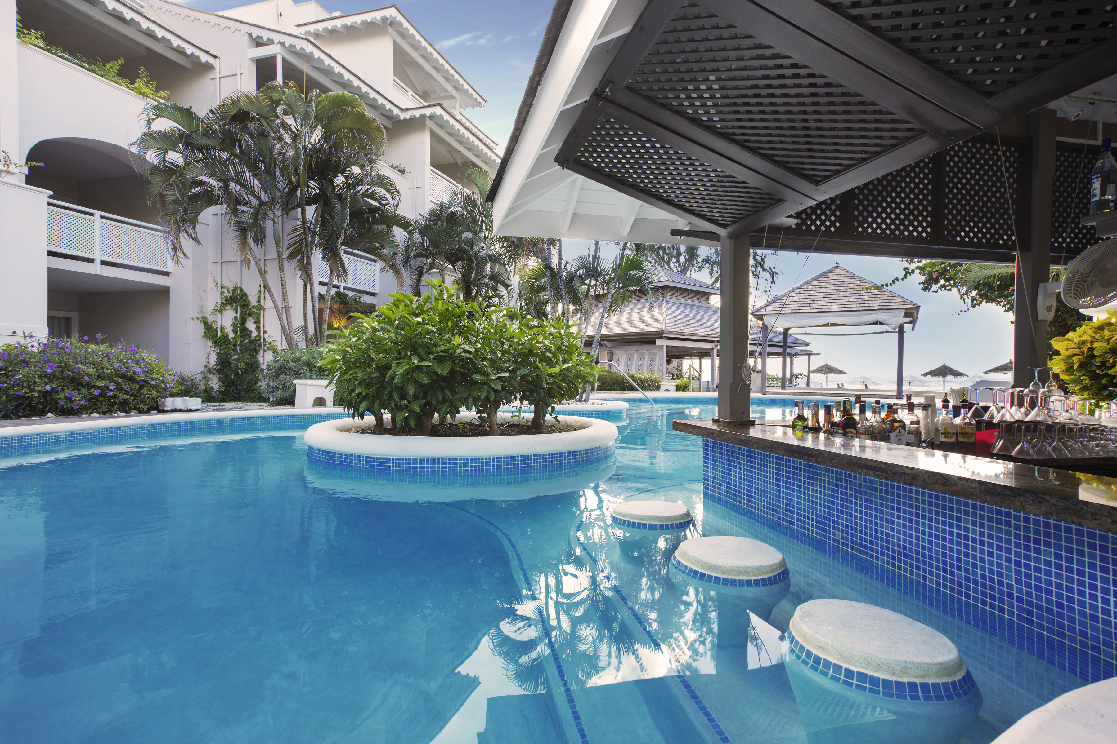 Travel Agency Website >> Pools and Exteriors - Escape Marketing